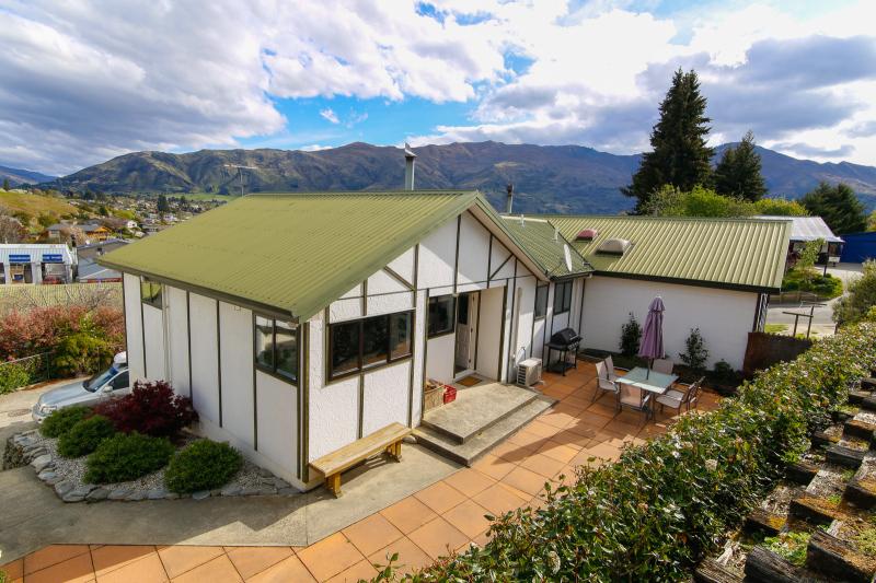Amazing location situated over Lake Wanaka
