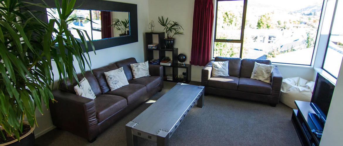 Wanaka accommodation Georges House Lounge